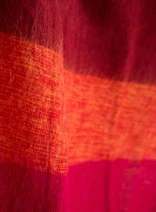Nepal Tucher gelb, rot gestreift